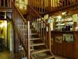 schody a bar